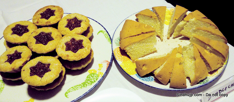 Minced fruit pie and dundee cake by hot breads