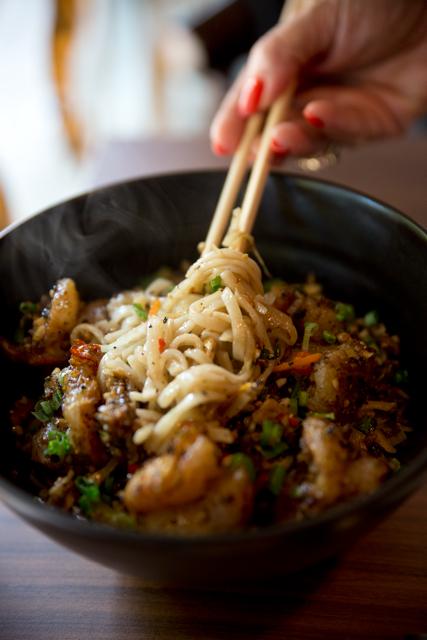 stir fried udon noodles prawn